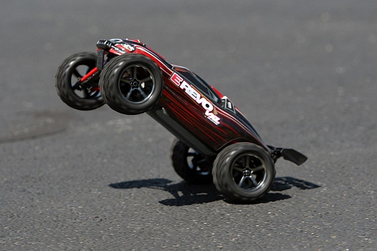 E-Revo 1/16 VXL Brushless 4WD RTR + NEW FAST CHARGER №15
