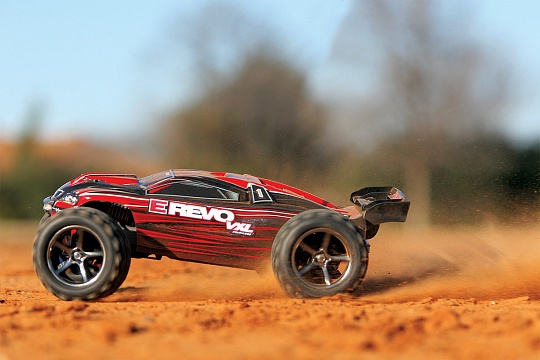 E-Revo 1/16 VXL Brushless 4WD RTR + NEW FAST CHARGER №14