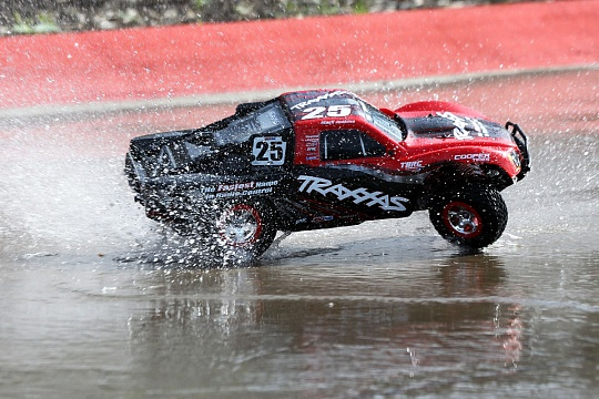 Slash 2WD VXL Brushless 1/10 RTR OBA с системой стабилизации + NEW Fast Charger №15