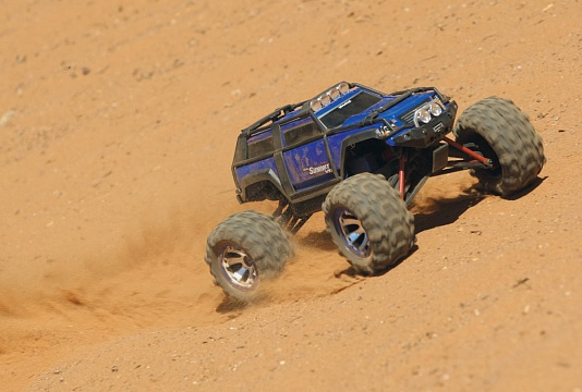 Summit 1/16 VXL Brushless 4WD RTR №15