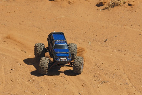 Summit 1/16 VXL Brushless 4WD RTR №18