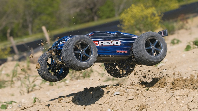 E-Revo 4WD RTR + NEW Fast Charger №23